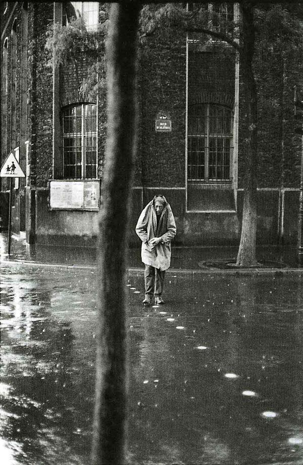 Альберто Джакометти на улице Алезия в Париже