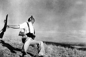 Падающий солдат-республиканец. Испания. 5 сентября 1936 года. Около 17.00