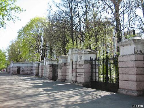 Архнацизм с видом на Кремль